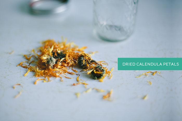 dried-calendula-petals