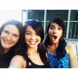 Selfies + emoji pin + brunettes. What else do ya…